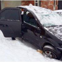 Продам а/м Renault Logan битый
